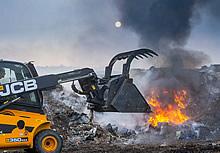 fire at oak tree farm